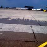 Наш состав прошел испытания в аэропорте «Пулково» на отсутствие образования скользких поверхностей и признан пригодным для обработки взлетно-посадочных бетонных полос.
